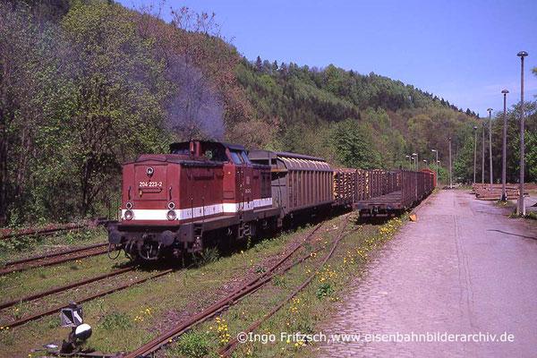 204 223 bei der Zusammenstellung eines Güterzuges in Rathmannsdorf. 05.05.1999 Foto: Ingo Fritzsch