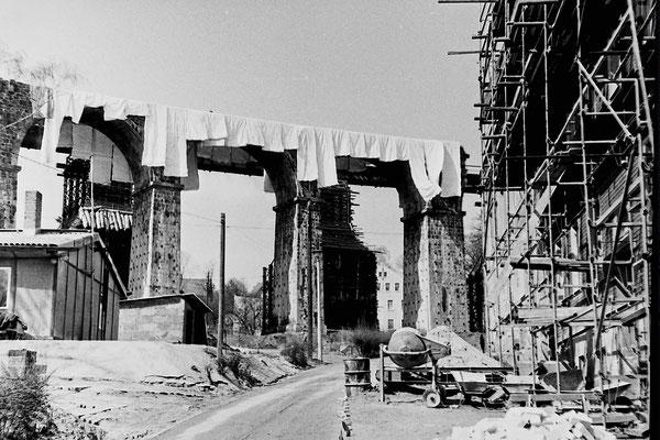 Bald werden auch die letzten Bögen fallen, 1986.
