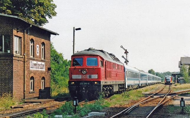 232 280 mit Elbtal-Umleiter-EC hat Ausfahrt nach Pirna.