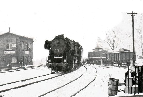 52 8007 von Bad Schandau nach Bautzen hat Einfahrt in Sebnitz.