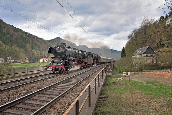 Auch die Rückleistung nach Dresden wurde bei Schmilka festgehalten, 18.04.15
