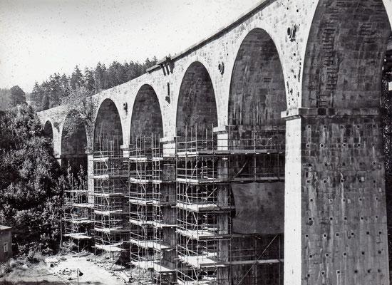 Nur die Bögen sollten gesprengt werden, die Stützpfeiler blieben für die Sanierung erhalten.  1984, Foto: Archiv: Sven Kasperzek.