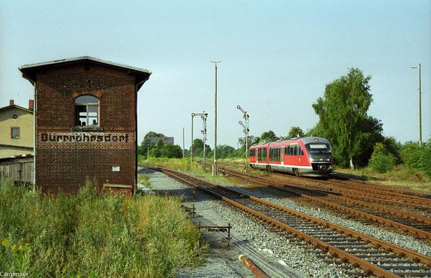 642 137 als RB 17914 von Pirna nach Neustadt, Ausfahrt in Dürrröhrsdorf am 05.08.2003. Foto: Archiv Kay Baldauf