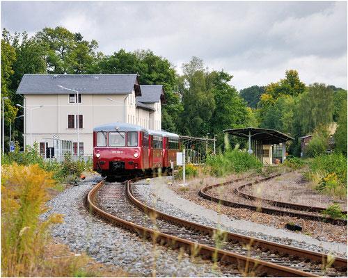 Auch dieses Bild zeigt den Zug bei der Ausfahrt in Richtung Bad Schandau. 15.09.12