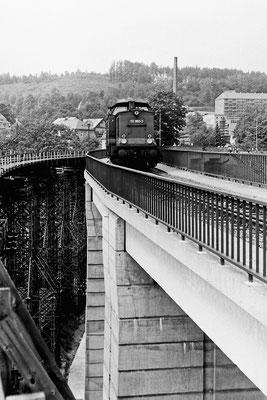 Probefahrt (?) auf dem neuen Viadukt. 1989