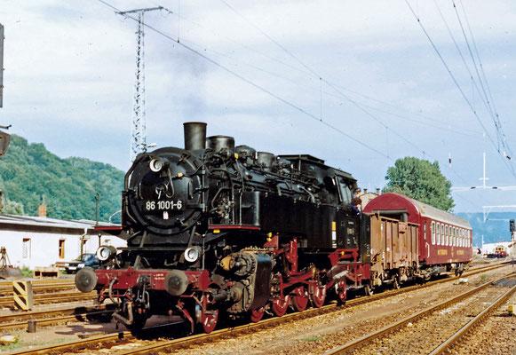 86 1001 rangiert in Bad Schandau.
