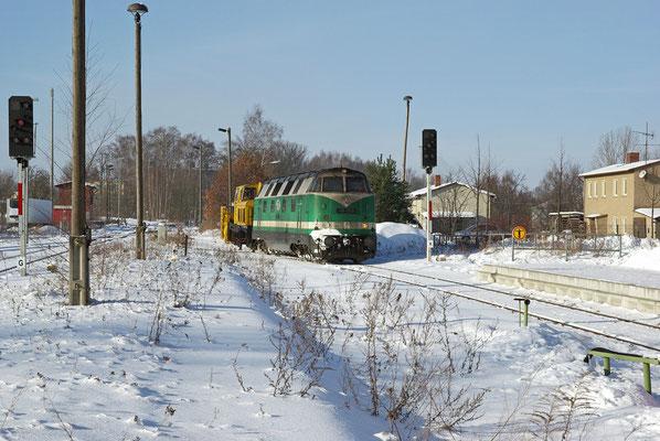 118 002 im Einsatz mit der Neustädter Schneefräse, es gab viel zu tun - auf der Strecke Neustadt-Pirna war die Strecke mehrmals Zugeweht, ein Desiro fuhr sich sogar fest was zur Sperrung der Strecke führte, Februar 2009