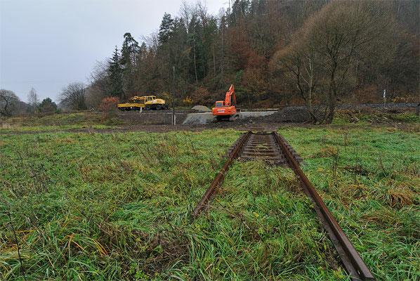 Noch bis zum 12. November werden im Abschnitt zwischen Sebnitz und Bad Schandau die Hochwasserschäden vom August behoben... 05.11.10