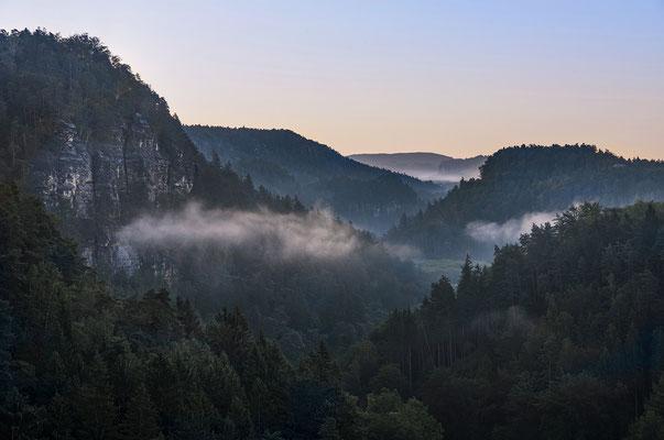 Herbstmorgen im Polenztal. ISO 50, 75mm, f/11.0, 1/20sek.