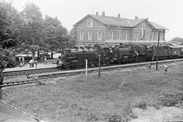 86 245 & 50 1849 mit Sonderzug in Stolpen.