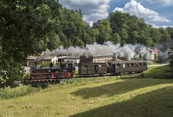 """99 516 auf der Strecke, 06.09.2020. Über den weiteren Streckenbau werde ich in der """"Fotogalerie Schwarzbachbahn"""" (siehe weiter oben) informieren."""