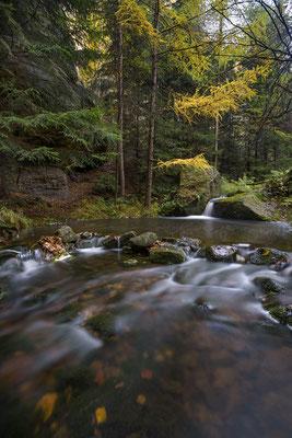 Kleine Wasserkaskaden in der Dürren Biela. ISO 50, 15mm, f/8.0, 25 Sek. (Haida ND 64 Graufilter).