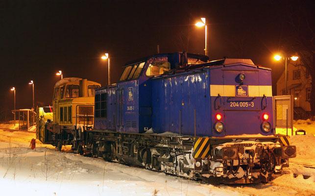 Der Winter lässt nicht locker und fordert auch im Februar mehrmals den Einsatz der Neustädter Schneefräse, hier mit 204 005 der PRESS. 17.02.2010