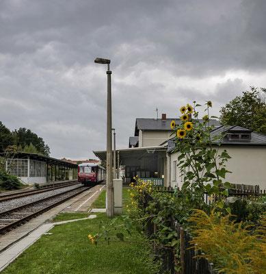 In Sebnitz wartet der LVT auf seine Fahrgäste, 15.09.2012