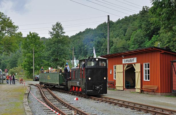 Erstmalig konnte der Verein nun seine eigene Diesellok der Baureihe V10C (199 312) einsetzen, der offene Aussichtswagen wurde aus Zittau ausgeliehen.
