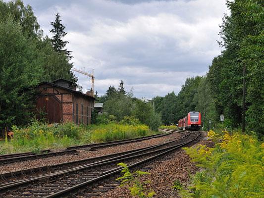 Nach weiteren 20 Minuten Wartezeit ( das 612ér Triebwagendoppel nach Zittau hat Vorrang ) ... 12.08.2011
