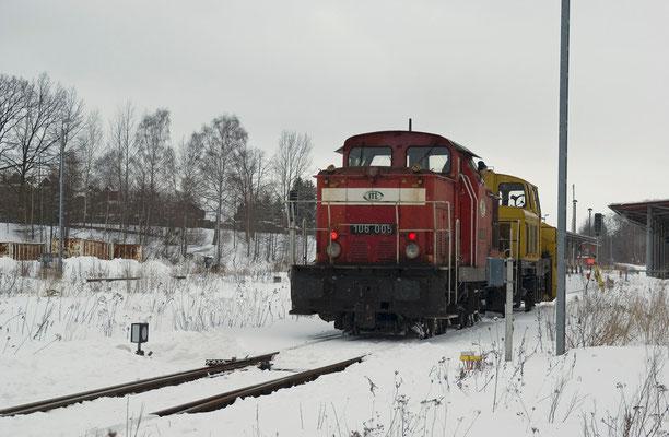 Die 106 005 der ITL ( Import-Transport& Logistik ) Dresden mit der Schneefräse in Neustadt, 28.01.2010