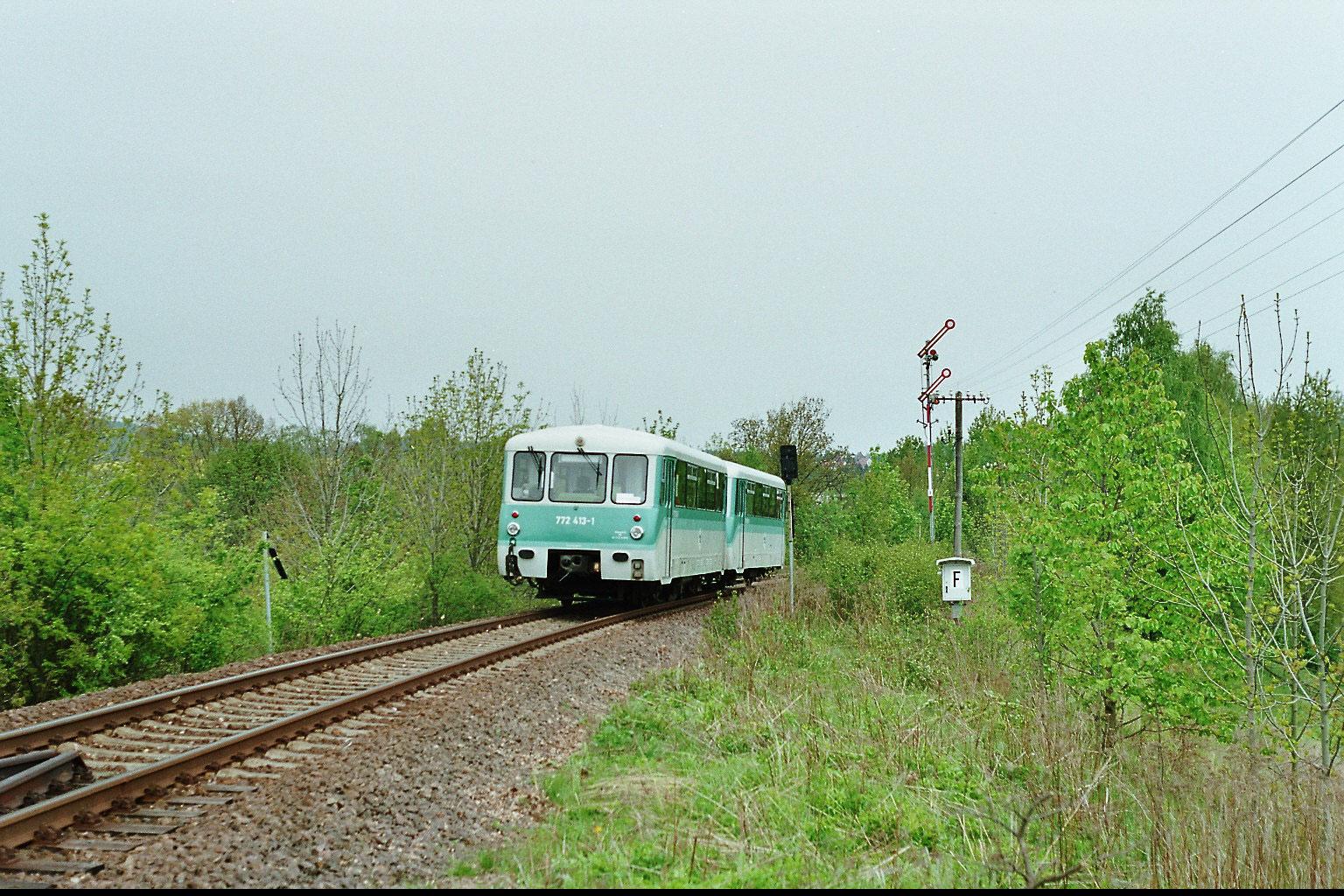 Ein letztes Mal wird das Neustädter Einfahrtssignal passiert, das war es dann mit dem Zugverkehr zwischen Neustadt und Bautzen. Seit 15 Jahren ist hier kein Zug mehr gefahren... 14.05.2005, Foto: Thomas Weber