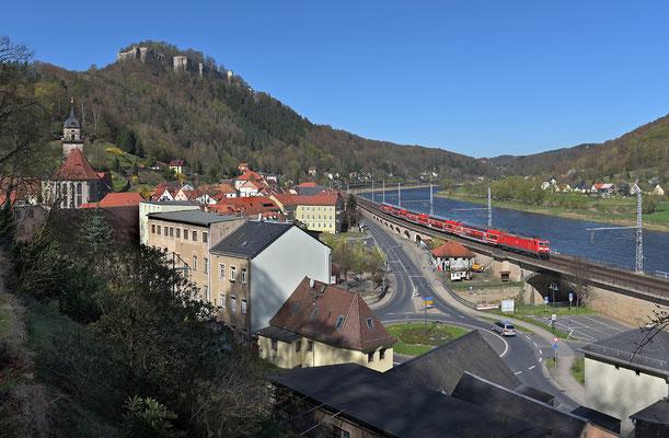 S1 Meißen-Schöna mit BR 143 bei Königstein, April 2015.