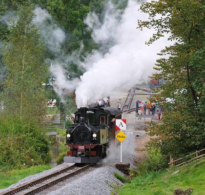 Vorbei an der Sächsischen Signaltafel, auf wenigen Metern bieten sich schon viele interessante Motive. 27.08.2011