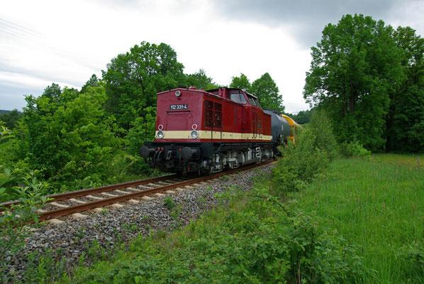 BR 112 331-4 leistet der 52 Nachschub ( Sonderfahrten zum Fest 675 Jahre Neustadt in Sachsen, Mai 2008 )