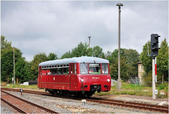 In Bahnhof Neustadt / Sachsen waren Rangierfahrten erforderlich. Dies ermöglichte eine Einzelaufnahme des Triebwagens. 15.09.12