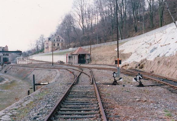 Bis 1970 wurden in Sebnitz Autodrehkrane gefertigt. Blick in das Betriebsgelände mit den Gleisanlagen.