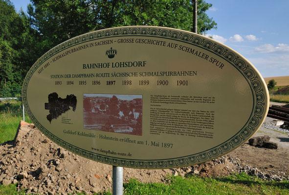 Eine Tafel der Dampfbahnroute wirbt an allen Sächsischen Schmalspurbahnen und gibt Informationen über die verschiedenen Stationen dieses Projekts. 16.07.11