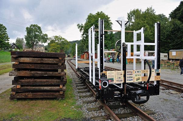 Auch im August 2014 gab es ein Bahnhofsfest (23.&24.08.). Zunächst ein Blick auf den aktuellen Zustand des Zugführerwagens K2009, der Wagenkasten steht, als nächstes folgt das Dach.