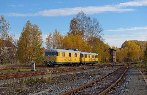 726 002-9 & Steuerwagen der DB Netz Instandhaltung mit Messfahrt Bad Schandau-Sebnitz-Dolni Poustevna-Sebnitz-Neustadt-Pirna. Hier beim Umsetzen an Stellwerk 2 in Neustadt / Sachsen. 05.11.2015