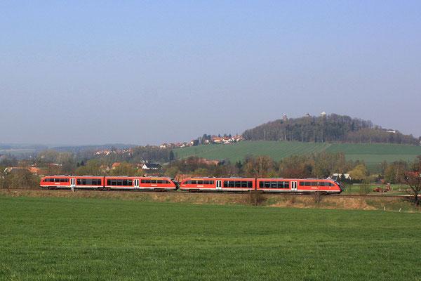 Doppeltraktion auf der Strecke Pirna-Neustadt, hier bei Langenwolmsdorf, April 2009, Foto: Jürgen Vogel