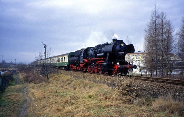 52 8141-5 von Sebnitz kommend, Einfahrt in Neustadt, 1997
