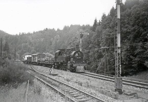 Das hat schon was von Wild-Wild-West... Dampflok 94 1292 mit Güterzug im Westernstil für Filmaufnahmen in Ulbersdorf.