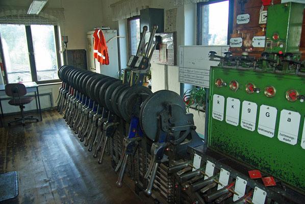 Die Umstellung zum Zugleitbetrieb auf der Strecke Neustadt-Bad Schandau macht die 2 Stellwerke in Sebnitz überflüssig, heute haben die 2 Mitarbeiter ihren letzten Arbeitstag, 19.10.2009