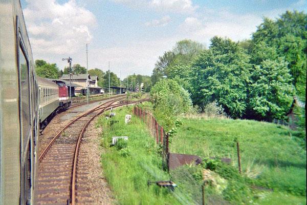 Einfahrt in den Bahnhof Sebnitz. 1999, Foto: Pierre Güttler