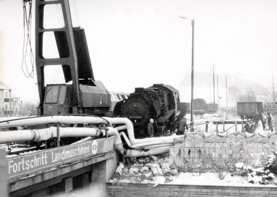 Verunfallte 52 8059 in Höhe des Abzweiges zum Fortschrittwerk (heute Brücke über die Mildnerstraße).