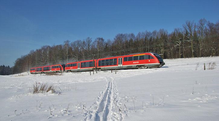 Mit viel Schnee begann das Jahr 2009, Desiro Doppeltraktion bei Krumhermsdorf, Februar 2009