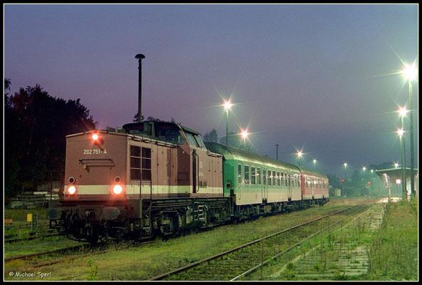 202 751 hat am Bf.Neustadt i.Sa. am 8. Oktober 2000 Dienstschluß. Foto: Archiv Michael Sperl