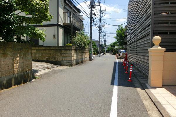 グランシティ喜多見【4階・2LDK】前面道路