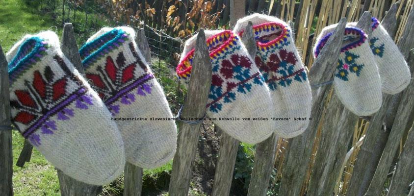 Echt slowenische Wollschuhe, handgestrickt aus der weißen Bovsca ( Krainer ) Wolle