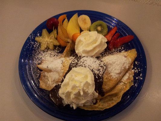 Dessert Eispalatschinke