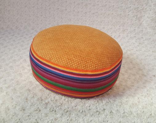 Yogakissen, Meditationskissen, bunt orange, rund, 54 euro