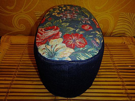 Yogakissen, Meditationskissen, blau, oval, Hocksitz, 64 euro, Sitzkissen, Sitzkultur, Kissen zum Küssen