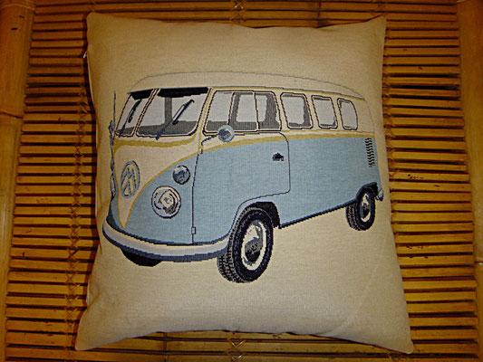 VW Bus Kissen, blau, Bezug abnehmbar, Federkissen, 50 auf 50 cm, 44 euro, Sitzkultur, Kissen zum Küssen