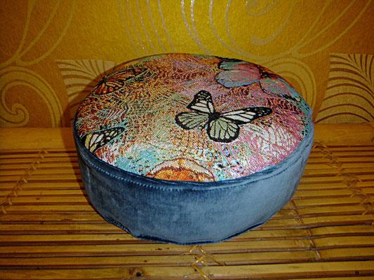 Yogakissen, Schmetterling, Rund, Blau 54 euro, Sitzkissen, Sitzkultur, Kissen zum Küssen