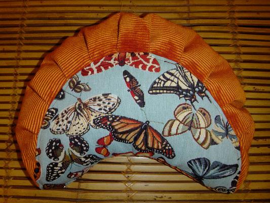 Yogakissen, Meditationskissen, blau, Schmetterlinge ,Mond mit falten 64 euro, Sitzkultur, Kissen zum Küssen, Stillkissen für unterwegs, Naturfüllung