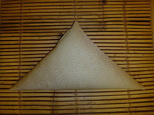 Shiatsu Kissen, Dreieck, Beige, 28 euro