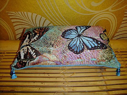 Reisekissen Yoga Blau, Schmetterling, 28 euro, Sitzkultur, Kissen zum Küssen