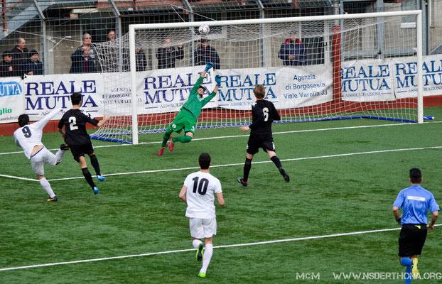 2014-15 BORGOSESIA-DERTHONA 1-0 ALBERTO FERRARONI EVITA UN IMMERITATO 2-0