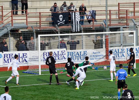2014-15 BORGOSESIA-DERTHONA 1-0 GOL DEL BORGOSESIA SOTTO LA BANDA DEI 4